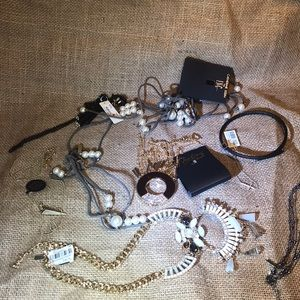 Accessories - Jewelry set total 8 piece